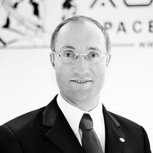 Dr. Gernot Groemer