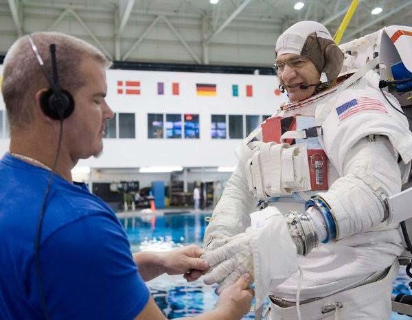 Astronaut Training - Paolo Nespoli